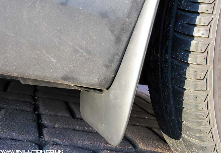 how to take off mud flaps