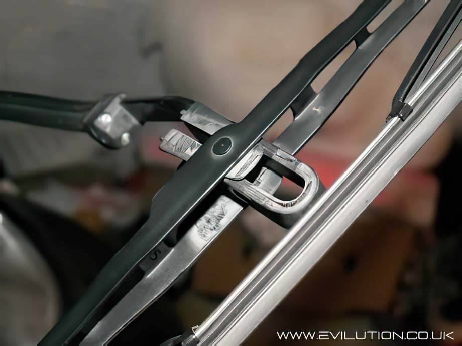 how to change smart car wipers