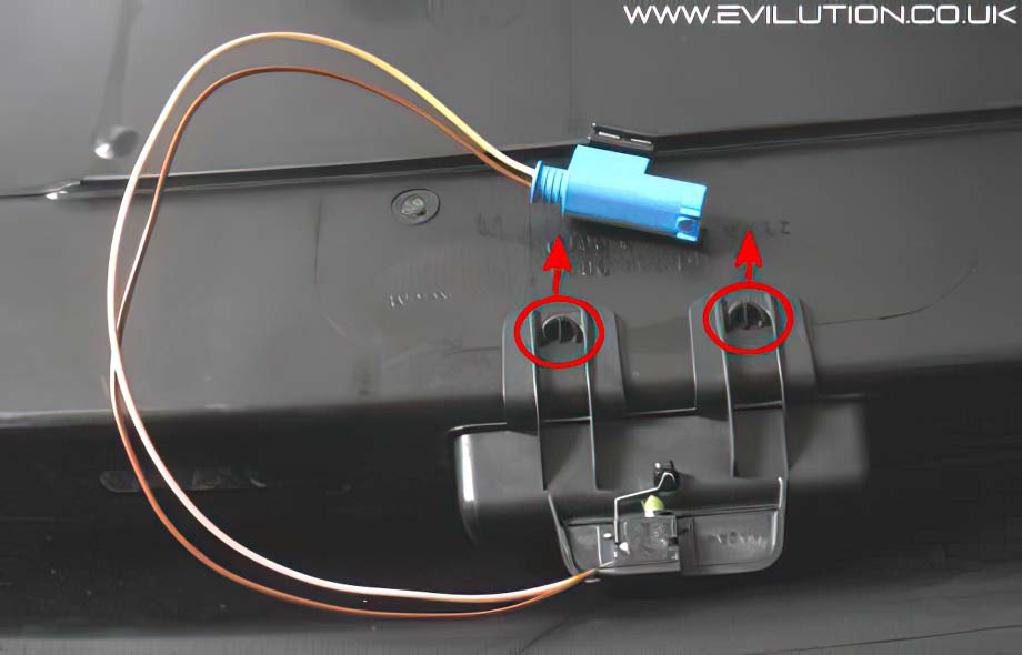 evilution smart car encyclopaedia the metal clip off will damage the microswitch not a problem if you are going to replace it