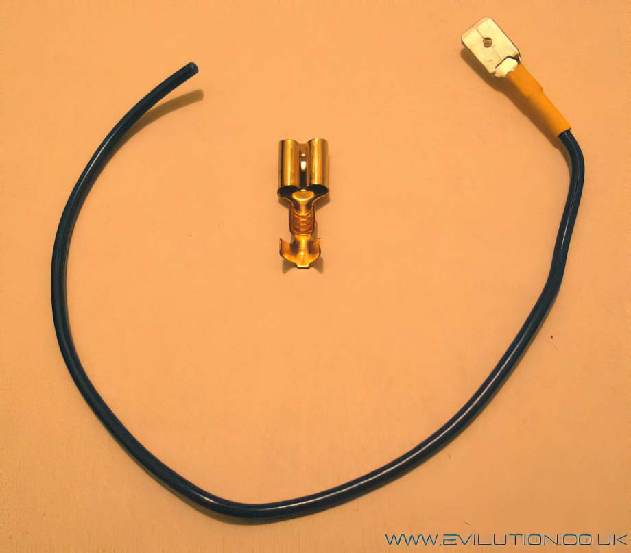 Electrical crimp connector for fuse box audio